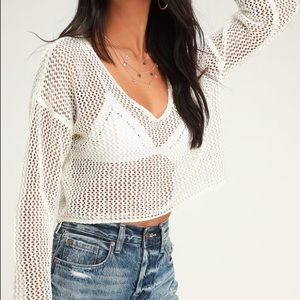 NWOT captivating calliope crochet long sleeve crop